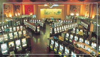 <b>La sala delle slot machines al Casinò di Sanremo</b> - Foto APT RdF
